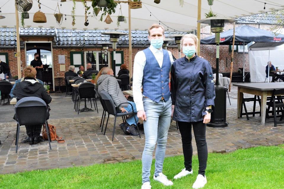 Jill Uytdewilligen en Jim Aernouts konden zaterdag voor de allereerste keer hun Kiekenhoeve open stellen voor publiek.