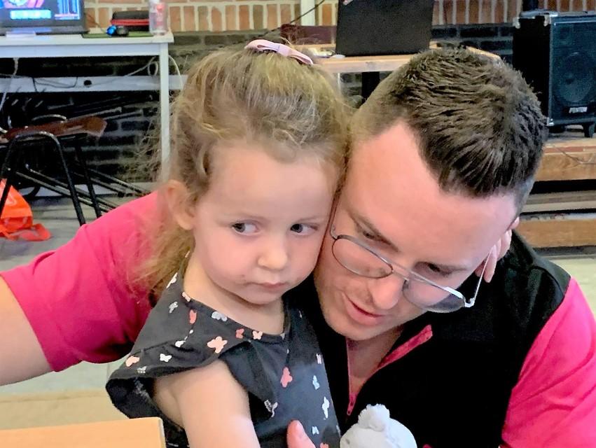 Na meer dan 51 uren zag Vincent zijn dochtertje terug.