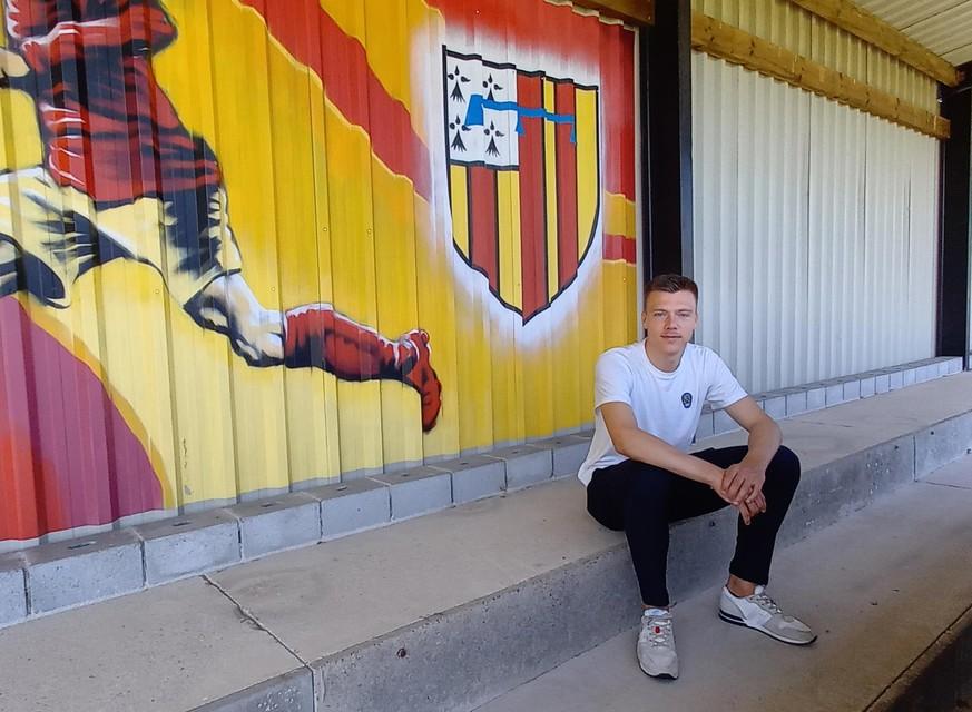 Daan Heymans, hier op de tribune in sportpark Vossekot in Retie, speelde tot zijn tiende bij KBSK Retie.