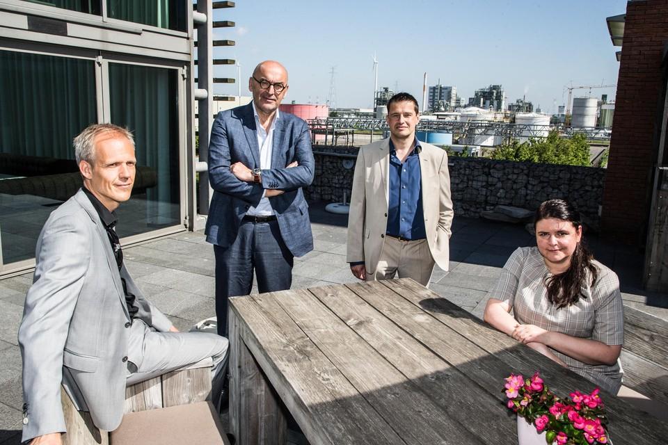 Guy Janssens (Havenbedrijf Antwerpen), Boudewijn Vlegels (voorzitter MLSO), Peter Van de Putte (directeur MLSO) en Els Jennen (adjunct-directeur MLSO).