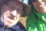 thumbnail: Vrijwilliger Lut Caron van vzw Kompaan begeleidde Egied tijdens een aangename vakantie aan de kust.