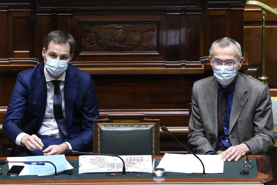 Premier Alexander De Croo en minister van Volksgezondheid Frank Vandenbroucke zullen niet met versoepelingen komen