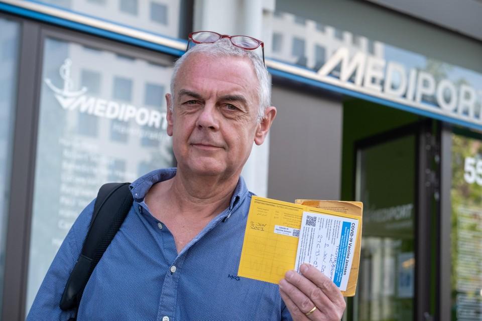Kapitein Luc Plomteux kwam vanuit Luik om zijn vaccin te krijgen.