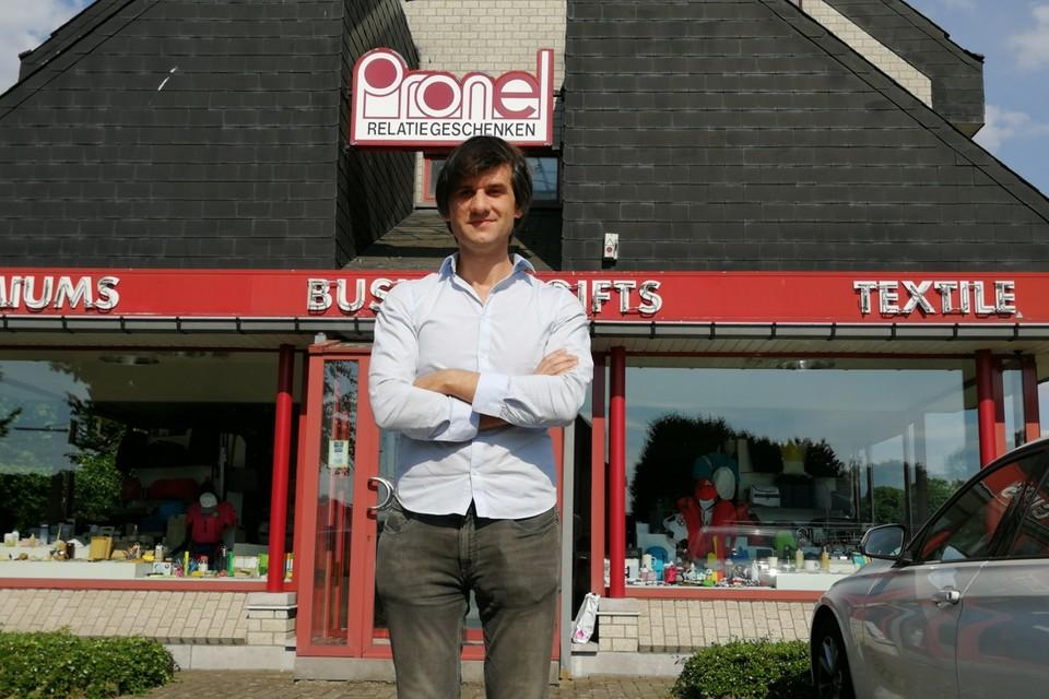 Stijn Van Praet voor de huidige showroom van Pronel.