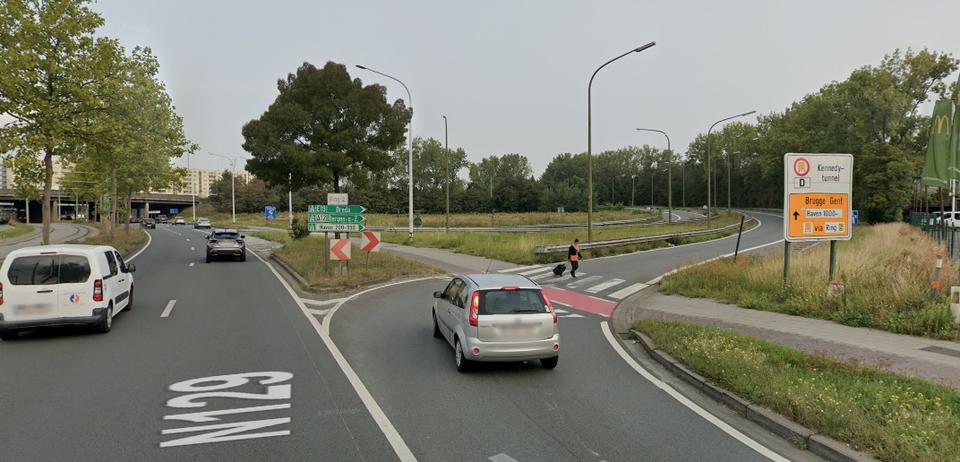 Ook deze oprit in Merksem aan de Groenendaalaan richting Nederland gaat dicht.