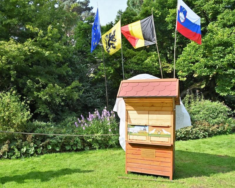 Typische Sloveense bijenkast.