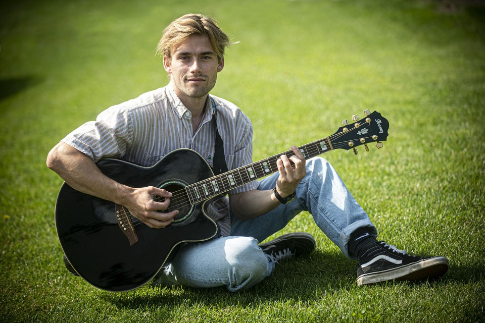 """Voorlopig heeft Fabian geen plannen voor een nieuwe zangcarrière. """"Maar muziek blijft me boeien"""", zegt hij. """"Muziek schept emotie en brengt mensen samen."""""""