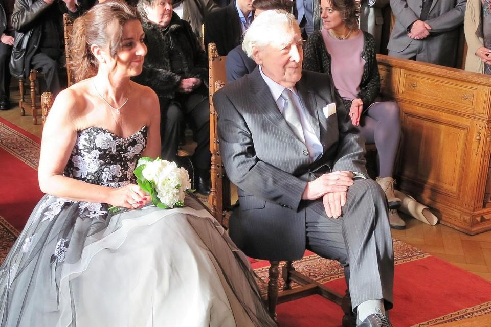 Paul Van Hoeydonck en Marleen Meyers bij hun huwelijk in het gemeentehuis van Wijnegem in januari 2016.