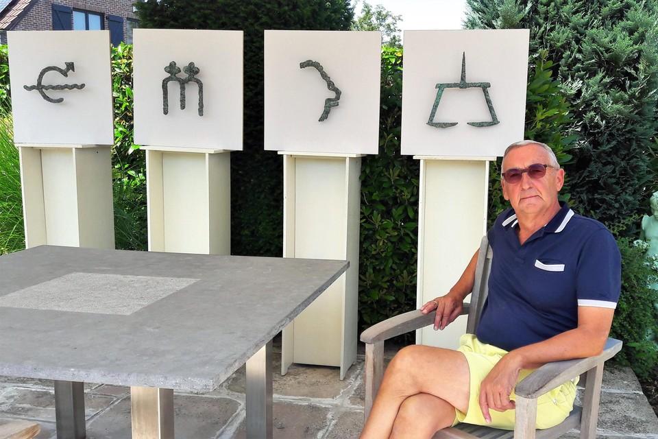 In zijn tuin heeft Luc Van de Vyvere enkele van zijn creaties uit de dierenriem opgesteld. Hij zit te popelen om zijn complete horoscoop in brons te kunnen tonen aan een breed publiek.