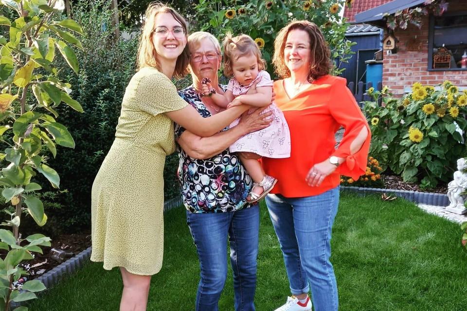 Liah Geerinckx uit Retie maakt een viergeslacht in haar familie compleet.