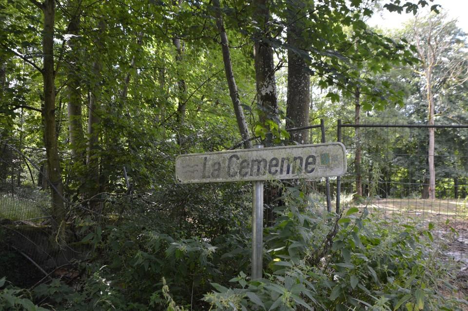 La Cemenne is vandaag een gewone beek met enige stroming, maar geen kolkende rivier zoals bijna een maand geleden.