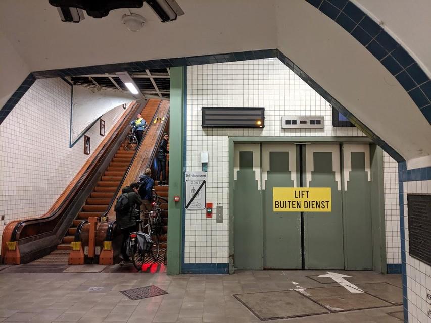 De werken aan de liften van de voetgangerstunnel zouden tegen eind deze week moeten zijn afgerond.