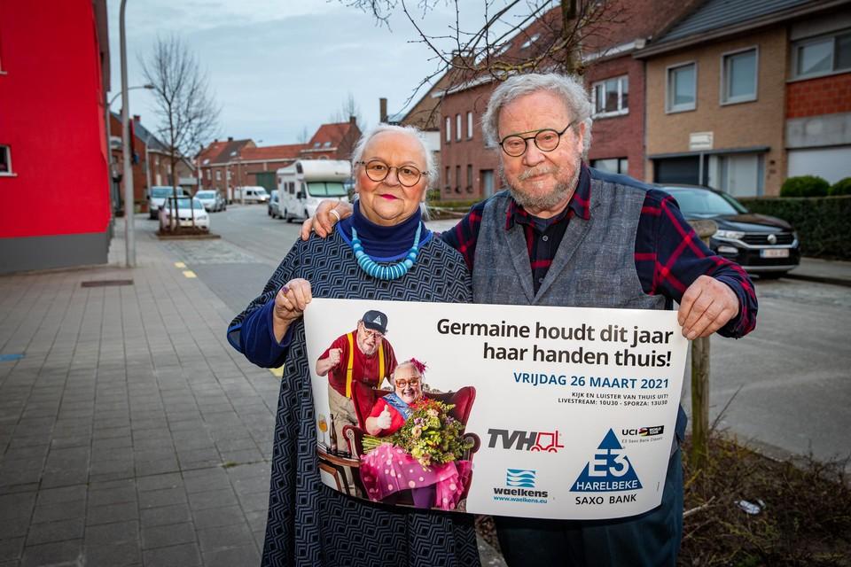 """Paulette """"Germaine"""" Van Neste en haar man Laurent schitteren op de banner van E3 Harelbeke."""