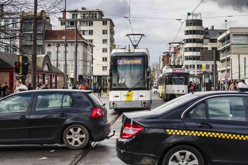 Door de verkeerslichten te kunnen beïnvloeden moet er een betere doorstroming komen van de trams.