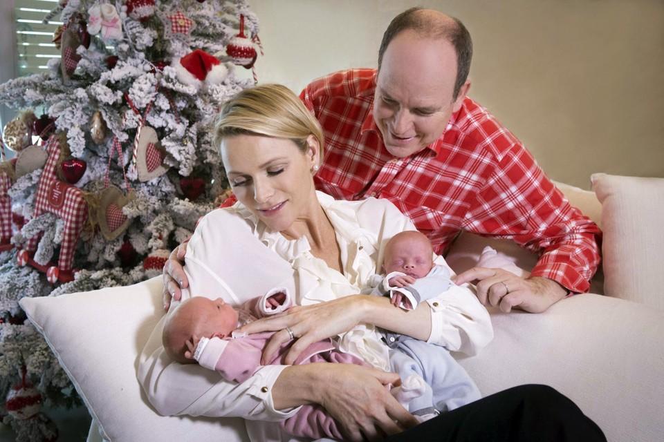 In 2014 beviel Charlène van een tweeling, maar daarnaast erkende Albert ook nog twee buitenechtelijke kinderen.