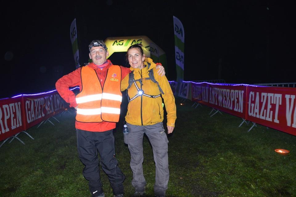 Geert en Nancy vertrokken om 23u als laatsten aan hun 42 kilometer. Toen was het al gestopt met regenen.