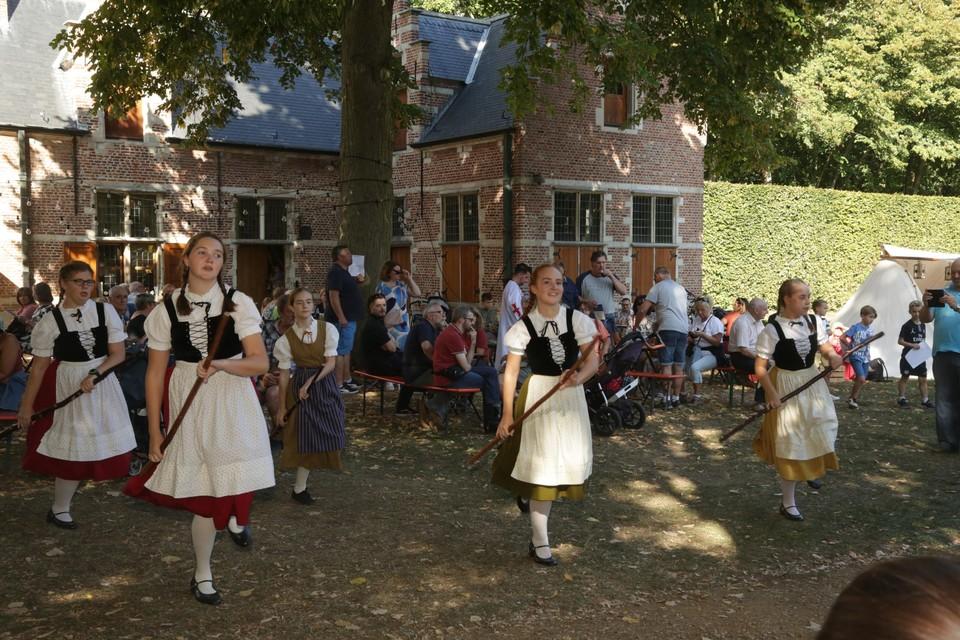 De Volkskunstgroep De Uiltjes zijn ook dit jaar van de partij.