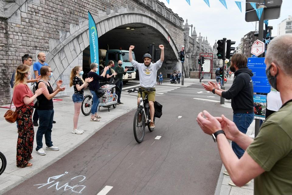 De Antwerpse fietsers werden vorige week nog getrakteerd op een applaus.