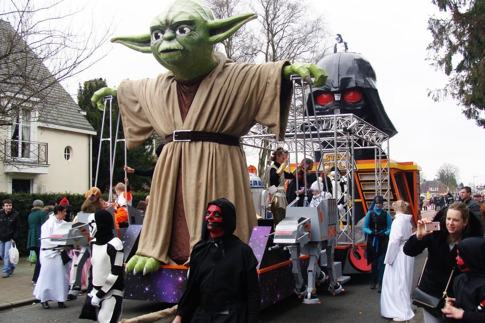 Het niveau van de stoet in Weelde is hoog. Deze Star Weld-wagen werd zelfs voor 5.000 euro doorverkocht aan een grote carnavalsgroep van Oilsjt Carnaval in Aalst.