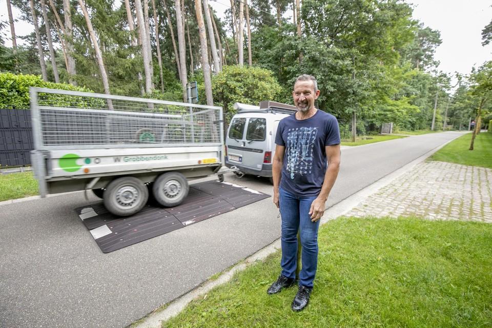 """""""Ik weet niet hoe ik met mijn bus vanuit Herentals thuis moet geraken"""", zegt Eddy uit de Nachtegalendreef."""