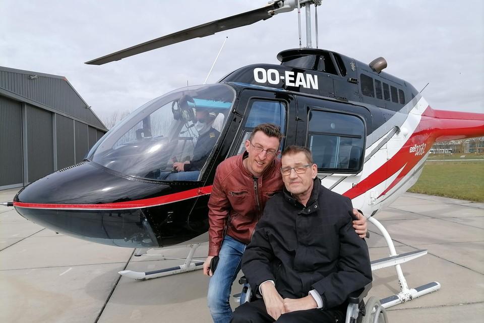 Rudi en Bart hebben genoten van de luchtdoop in een helikopter