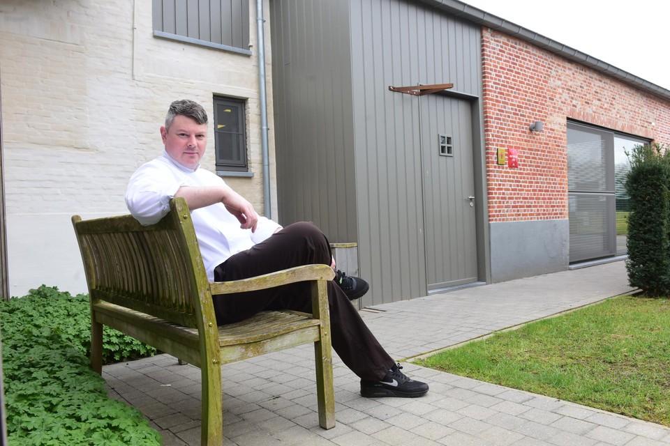 Heropenen met alleen een terras is voor sterrenrestaurants niet rendabel, maar Peter Vangenechten van La Belle blijft wel aan het werk via takeaway.