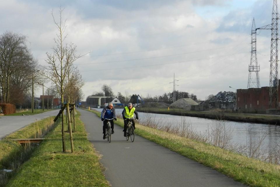 De fietsostrade langs het kanaal in Rijkevorsel.