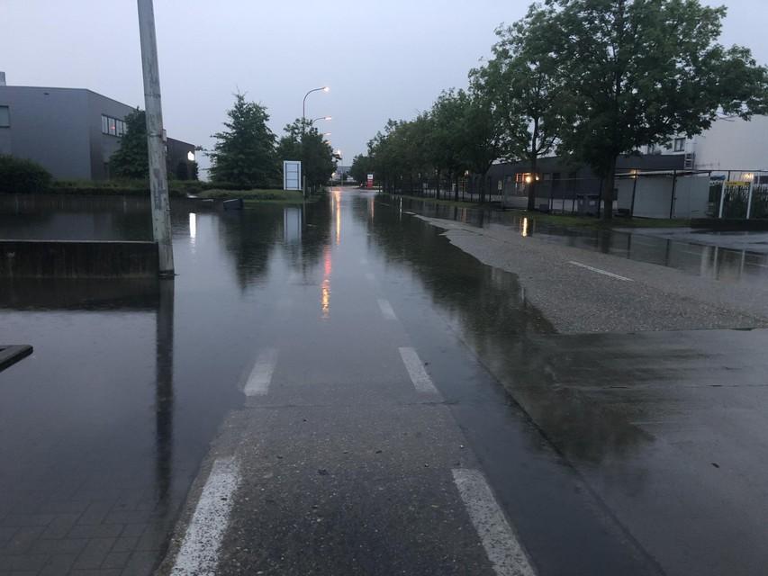 Wateroverlast op de Toekomstlaan.