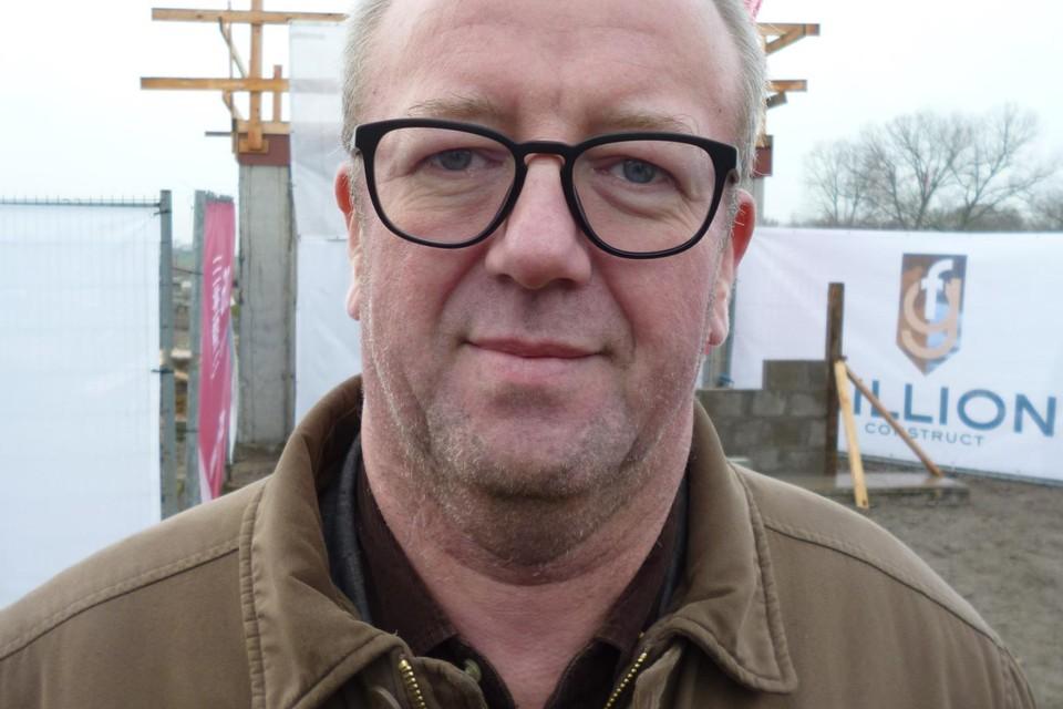 Directeur sociale huisvestingsmaatschappij Willebroek, Andy Dilles, zegt dat een 300-tal sociale woningen in de kanaalgemeente voor het project in aanmerking komt.
