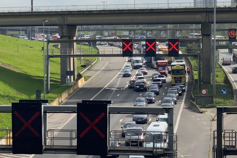 Aanschuiven bij de Kennedytunnel na een ongeval vorige week.