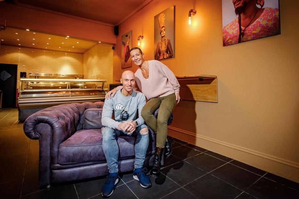 Sebastien Casteels en Kirsty Eeckhout beginnen een frituur in de Hoogstraat.
