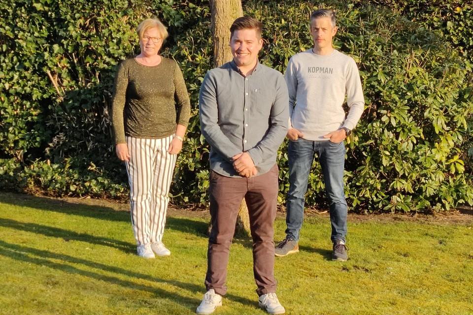 Lorenz Vloemans (vooraan), Ria Piedfort en Peter Martens stappen uit CD&V en zetelen voortaan als onafhankelijken in de Lilse gemeenteraad.