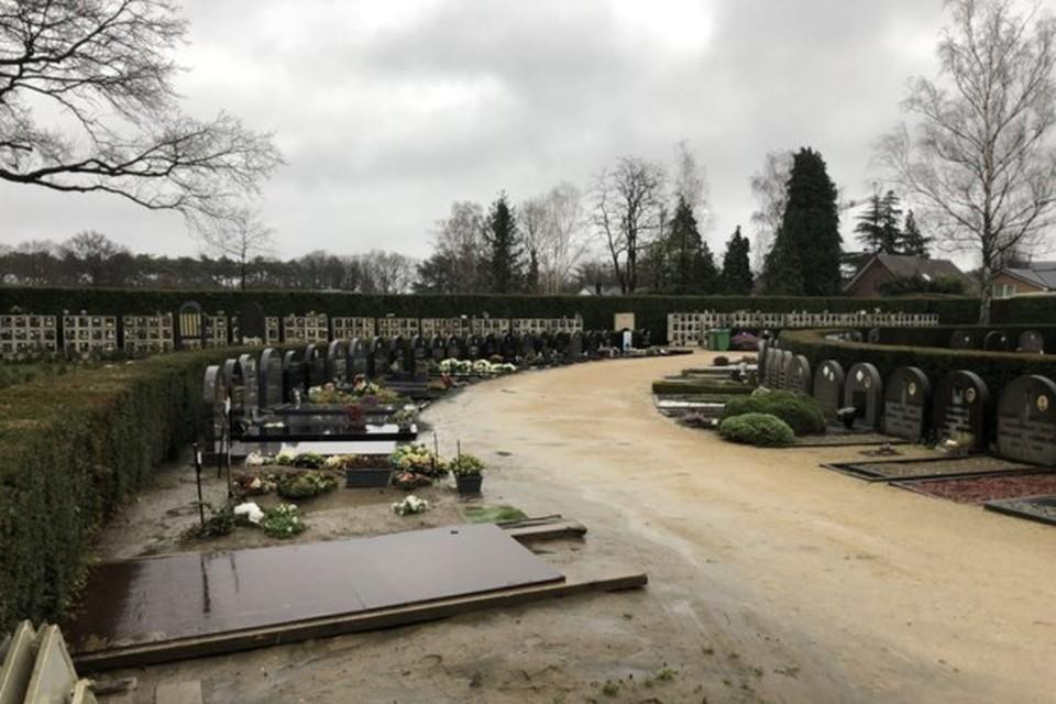 Eind vorige maand moest een familie in Noorderwijk rechtsomkeer maken omdat er geen graf was voorzien voor de overledene.