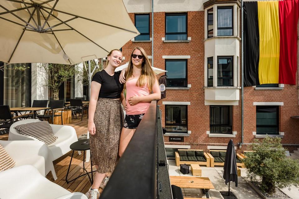 Renee en Marie Van Itterbeeck runnen de Mechelse Smmrbar in Hotel Elisabeth.