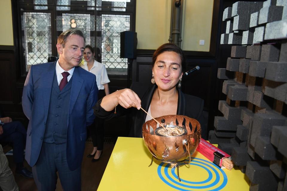 Burgemeester van Antwerpen Bart De Wever en Vlaams minister van Toerisme Zuhal Demir (NV-A)