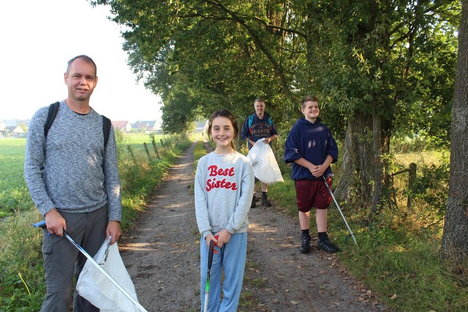 Jef, Lisa, Geert en Ward vertrekken voor een tocht van 10 kilometer.