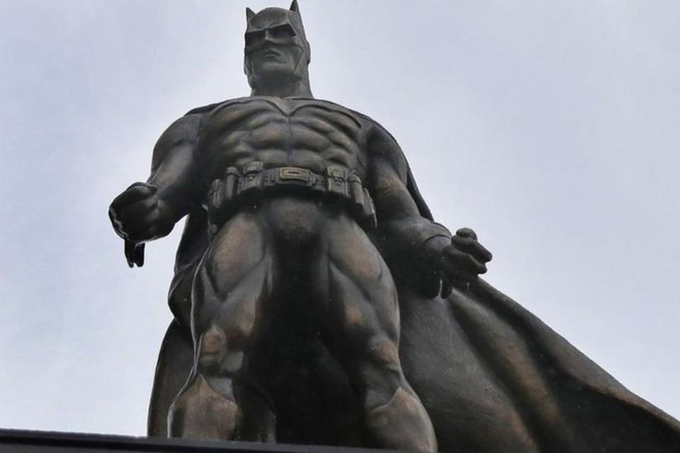 Batman waakt over Londen.