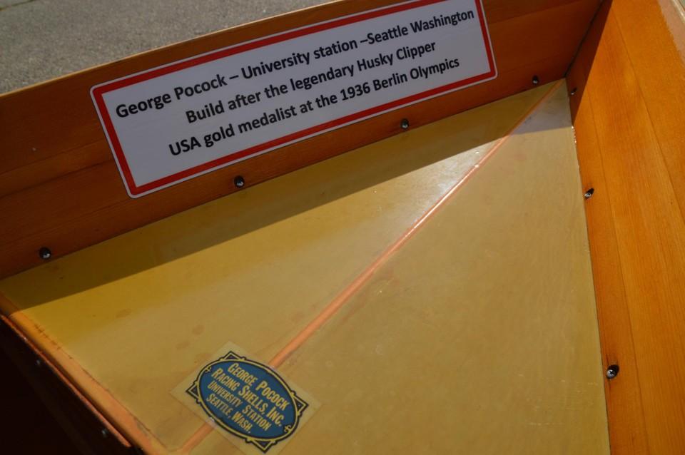 De iconische roeiboot werd door de beroemde botenbouwer en -ontwerper George Pocock in 1964 in Seattle gebouwd.