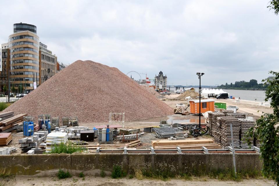 De Kaaien in Antwerpen worden op dit moment opgehoogd. Maar zal het voldoende blijken?