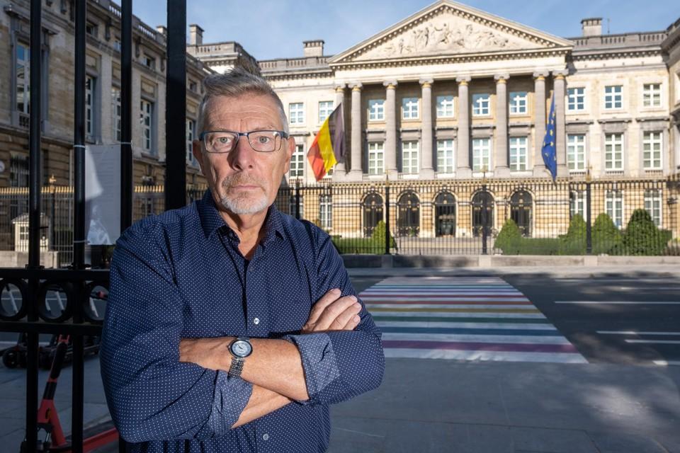 Rudi Kennes voor het Federaal Parlement, waar hij nu al actief is voor zijn nieuwe partij, de PVDA.