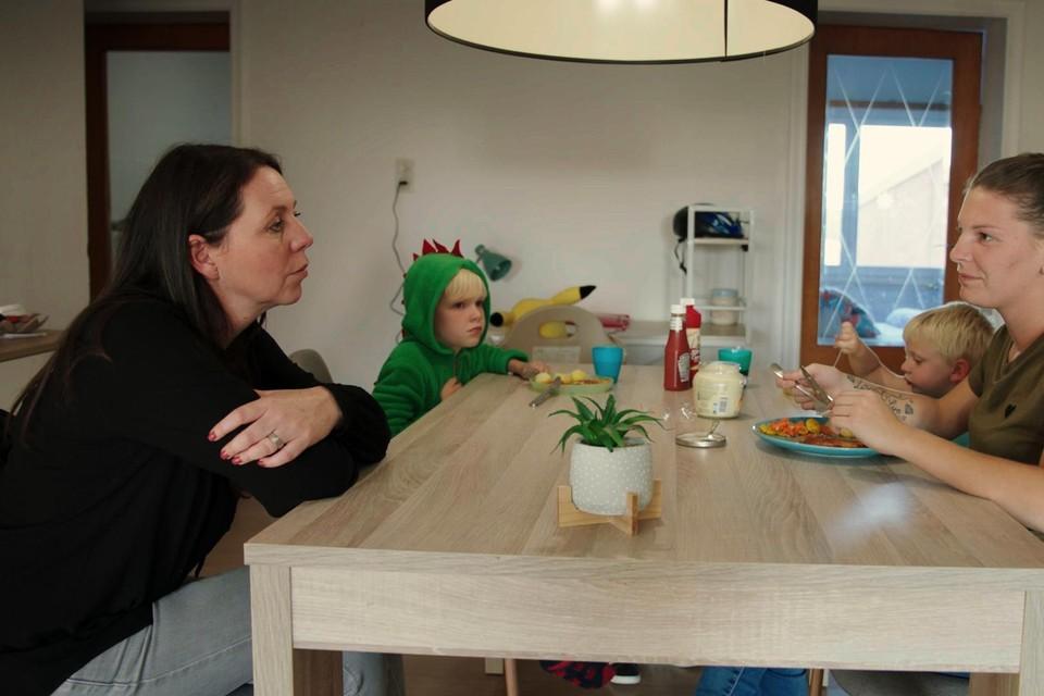 Kristel op bezoek bij Ellen en de kinderen in Ravels.