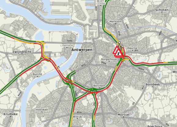 De volledige Antwerpse Ring en uiteinden van toekomende snelwegen kleurden dinsdagavond rood op de kaart van het Vlaams Verkeerscentrum.