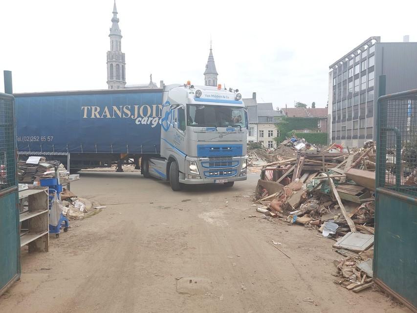 De vrachtwagen komt aan in Verviers.