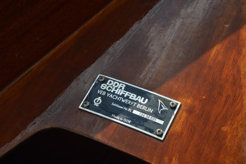 The Oar restaureerde ook een oude DDR-boot, die de naam Gouwe Luc kreeg.