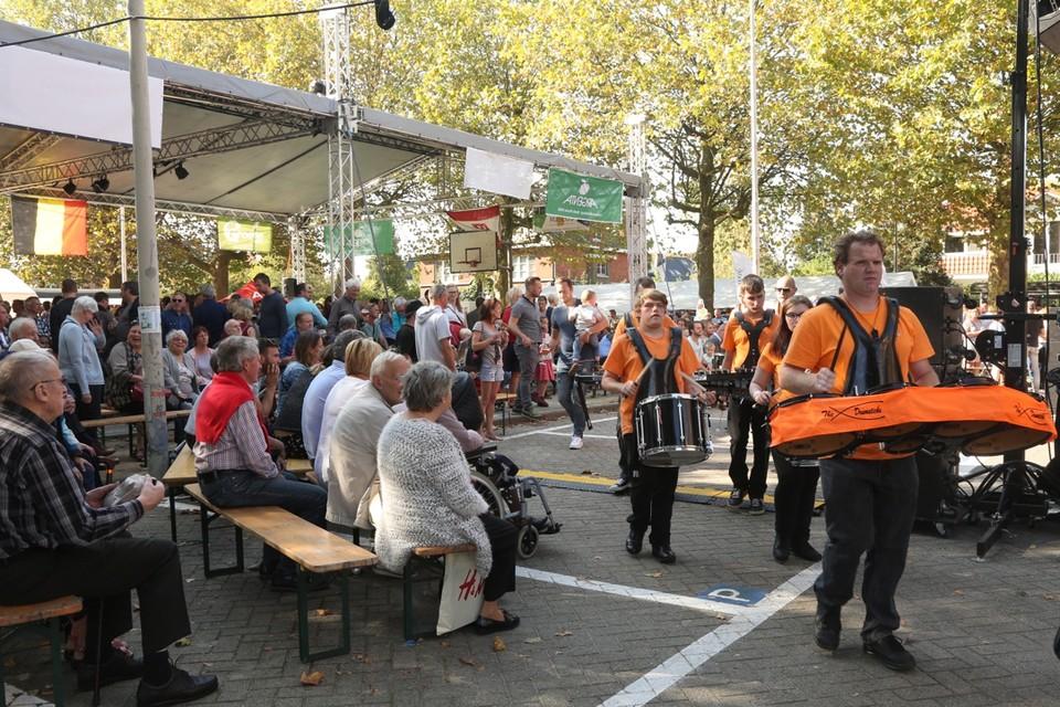 De gezellige Mariaburgse feesten gaan niet door op het Van de Weyngaertplein maar krijgen een mobiele versie doorheen de wijk.