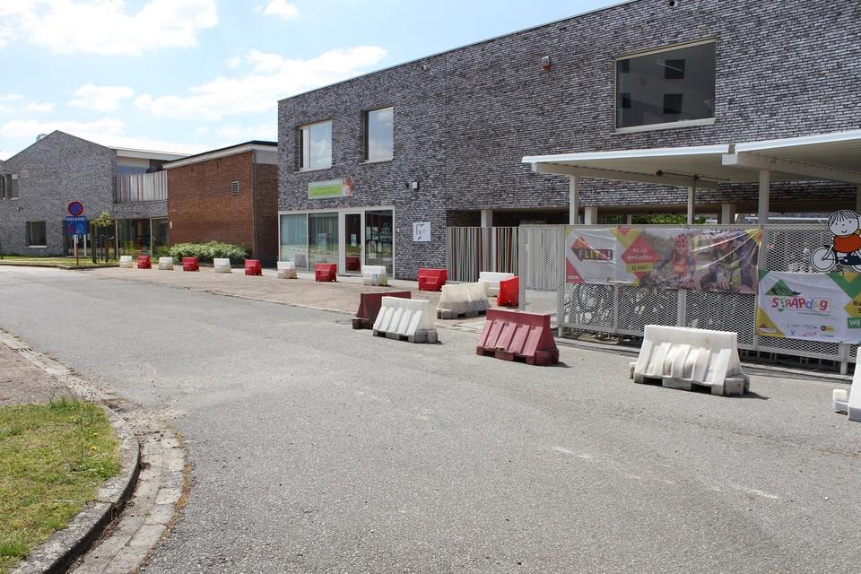 Het proefproject maakt zestien parkeerplaatsen weer bereikbaar.