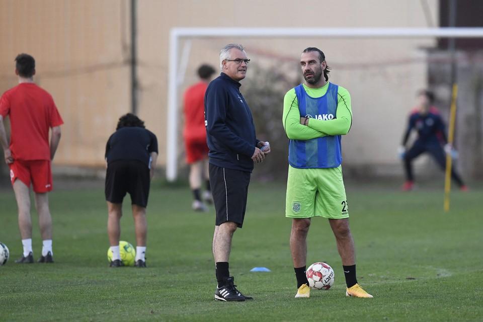 Stavros Glouftsis (rechts) is de nieuwste aanwinst voor het Rapid Leest van coach Rudy Van Houdt.