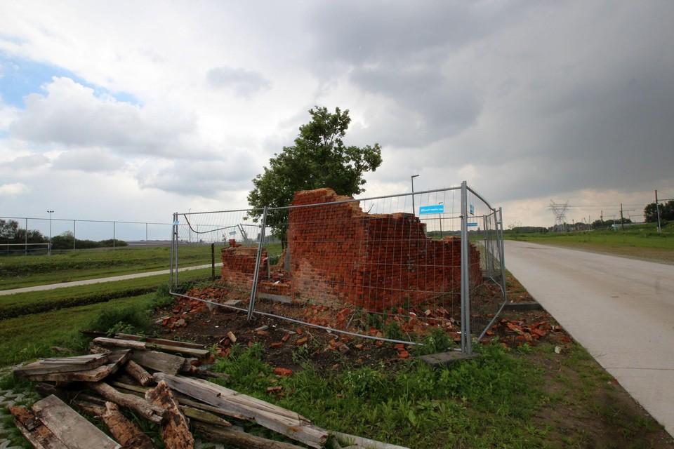 De ruïne van het bakhuisje aan de voormalige hoeve Van Hul.