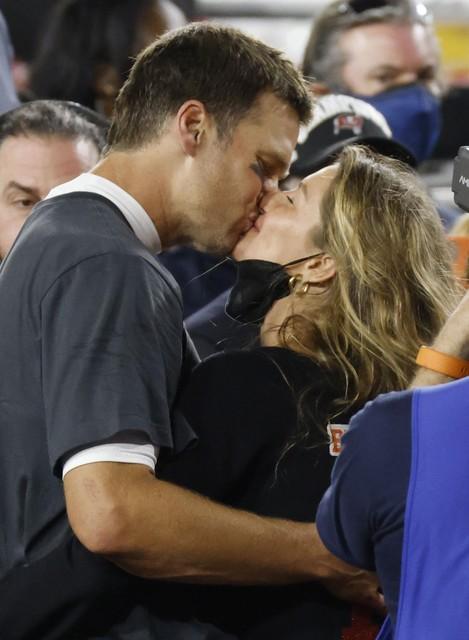 De kus met echtgenote Gisèle, voor velen het hoogtepunt van de avond!