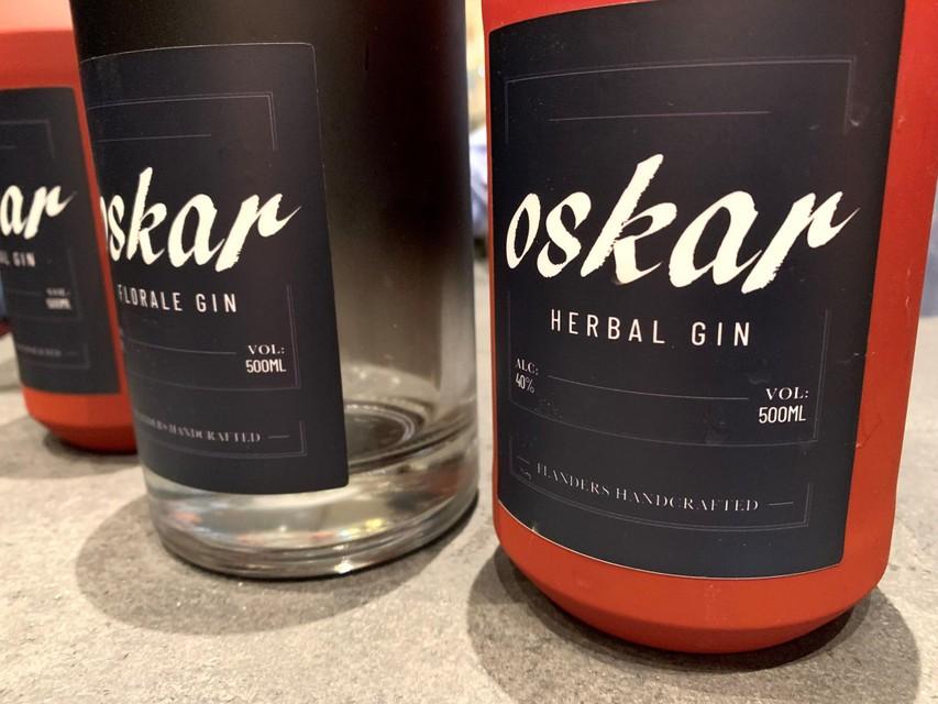 De gin is ook te koop in flessen van een halve liter.